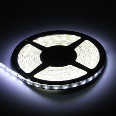 Banda led alba rece alb xenon SMD 3528 60 LED/m 5 metri autoadeziva mobila scafa