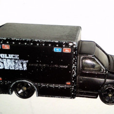 Macheta MATCHBOX Police Swat - FORD Box Truck - 1998 - Macheta auto Siku, 1:76