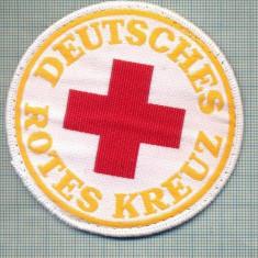 38 - EMBLEMA CRUCEA ROSIE -ROTES KREUZ- GERMANIA -MILITARA? -starea care se vede - Uniforma militara