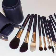 Set 12 pensule machiaj Fraulein38 Purple cu butoias etui util de depozitare - Pensula machiaj