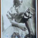Actrita Tanti Cocea, foto alb - negru cu autograf, din timpul razboiului, 2