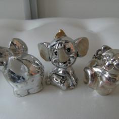 Lot de doi elefanti si  o pisica din alama argintata, vechi ,de colectie/ decor.