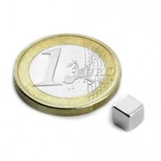 Magnet neodim cub, 5 mm, putere 1,1 kg