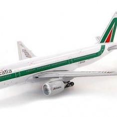 Macheta avion Boeing 777-200 - ALITALIA - SCHUCO scara 1:500 - Macheta Aeromodel, 1:144