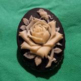 Clema esarfa Trandafir in relief Splendida Brosa executata manual Vintage