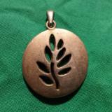 Medalion Ramura de Maslin executat manual prin traforaj vintage Vechi finut