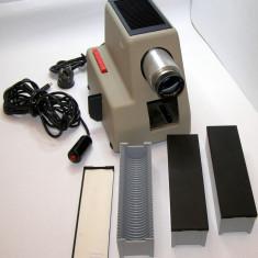 Diaproiector Vintage Braun PA2 fabricat 1957(1411) - Aparat Filmat