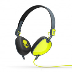 Casti on-ear Skullcandy Navigator Hot Green/Grey cu microfron, Cu fir, Mufa 3, 5mm, Active Noise Cancelling