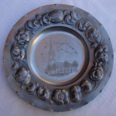 Impresionanta farfurie decorativa din staniu gravata si inscriptionata Linkoping - Metal/Fonta, Ornamentale