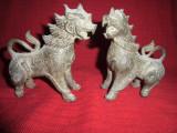 Pereche statuete vechi din  bronz masiv