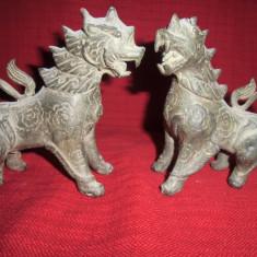 Pereche statuete vechi din bronz masiv - Metal/Fonta, Sfesnice