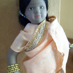 Indianca, papusa de colectie din portelan