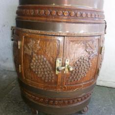 Butoi-bar, vechi, belgian, din lemn, sculptat, cu usa si suport sticle si pahare - Suport sticla vin