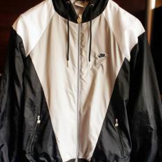 Jacheta Nike S 173 cm, 44-48 EU -produs original- IN STOC, Culoare: Din imagine, Marime: S, Geci si Jachete, Alergare