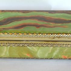 Cutie veche din tabla pentru pastrare bijuterii sau obiecte de mici dimensiuni - Cutie Reclama