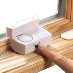 Set 2 Alarme magnetice pentru usi si ferestre - Stikere Moto