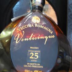Brandy vecchia romagna, mai multe di 25 ani cl 50 gr.40 - Cognac