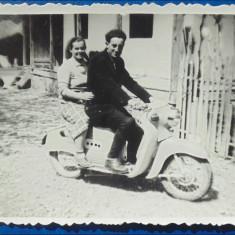 Motoreta veche (1) - Fotografie