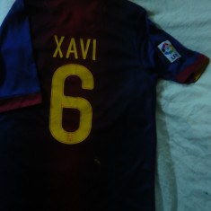 Tricoul Echipei de Fotbal FC Barcelona ,nr.6 jucator XAVI ,masura S