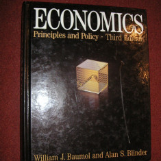 Economics - Principles and Policy - William J.Baumol, Alan S.Blinder - Carte Management