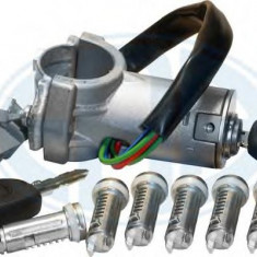 Set cilindru inchidere IVECO DAILY III caroserie inchisa/combi 29 L 9 V - ERA 660135 - Butuc incuietoare