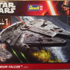 Millenium Falcon Built & Play With Light & Soul Revell - Vehicul