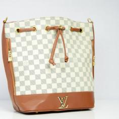 Geanta / Poseta dama de umar sau mana Louis Vuitton LV + Cadou Surpriza - Geanta Dama Louis Vuitton, Culoare: Din imagine, Marime: One size, Geanta de umar, Asemanator piele