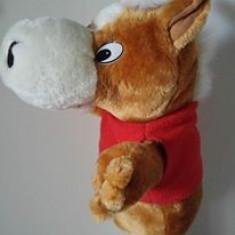 Marioneta teatru de papusi, papusa manuala cal / calut / magar cu bluza rosie - Jucarii plus