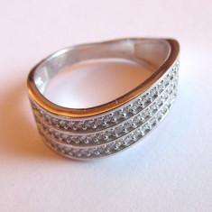 Inel argint cubic zirconia ondulat