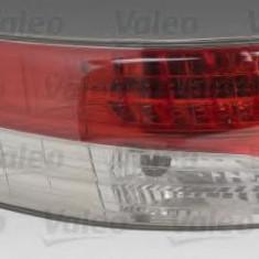 Lampa spate TOYOTA AVENSIS limuzina 1.6 - VALEO 043956