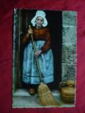 Ilustrata -Femeie costum popular ,cu matura- Normandia Pitoreasca
