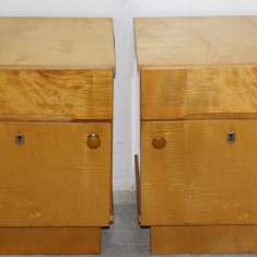 Set 2 noptiere din pal furniruit; Noptiera cu sertar si usa