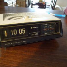 Radio cu flip sanyo - Aparat radio