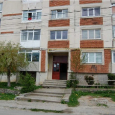 Apartament 2 camere, str. Iezer, nr. 6, Campulung, Arges