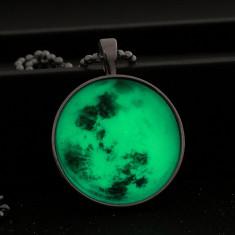 Colier cu pandantiv luminescent GreenMoon - Colier fashion