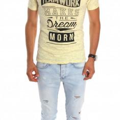 Trico galben cu imprimeu - tricou barbati - tricou slim fit - 6788, Marime: M, L, XL, Culoare: Din imagine, Maneca scurta