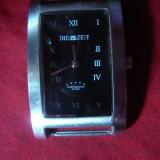 Ceas marca Die Zeit Quartz ,rezistent la apa , L= 4 cm