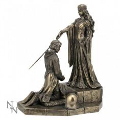 Statuetă bronz medievală Încoronarea Regelui Arthur - Sculptura