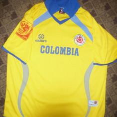Tricoul Echipei de Fotbal a Columbiei la Camp. Mondial de Fotbal Africa de Sud - Tricou echipa fotbal, Marime: L, Culoare: Galben