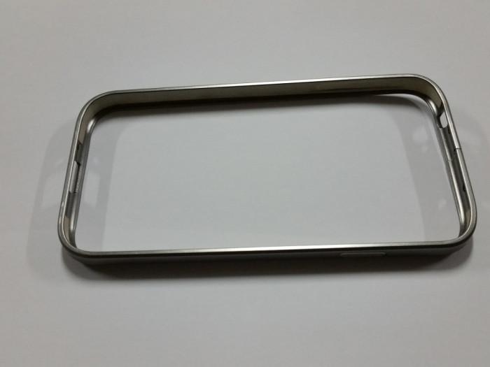 Husa bumper aluminiu Samsung Galaxy S4 - gri