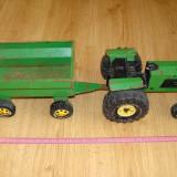 Jucarie veche tractor cu remorca TONKA (dimensiuni mari aproximativ 57 cm.)