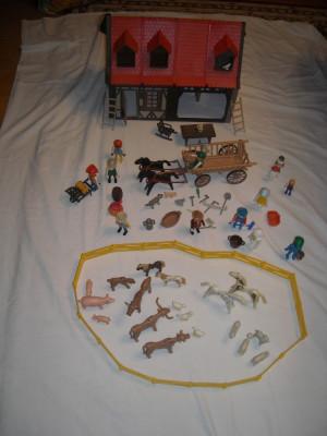Playmobil - casa medievala cu accesorii si caruta foto