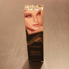 Rimel Mac Cosmetics mac the effect thick volume