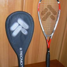 Racheta squash Tecno Pro Challenge 550 Titanium in stare foarte buna cu husa