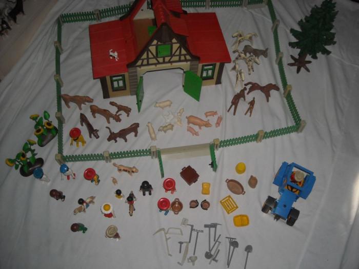 Playmobil - Casa la tara - vintage cu tractor si accesorii