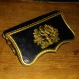 Nr. 359 Ledunca regalista, din piele cu alama, de medic militar.