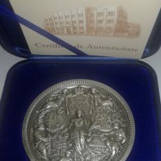 Medalie Carol I Rege al Romaniei emisa de Monetaria Statului ( tombac argintat ) - Medalii Romania