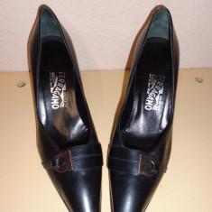 Pantofi negri piele Salvatore Ferragamo - Pantof dama Salvatore Ferragamo, Culoare: Din imagine, Marime: 38, Piele naturala