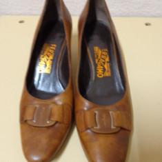 Pantofi piele naturala maro Salvatore Ferragamo - Pantof dama Salvatore Ferragamo, Culoare: Coniac, Marime: 37.5