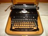 Masina de scris ROYAL made in USA vintage+banda noua de scris